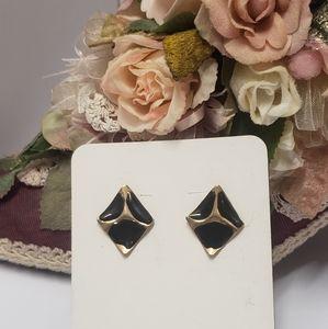 Unique Vintage Black & Gold tone earrings